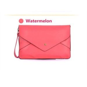 Handbags - 👛 Oversized Pink Envelope Clutch